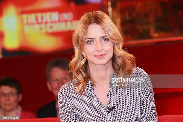Eva Padberg das deutsche Fotomodell Schauspielerin und Moderatorin zu Gast beim Talk aus Hannover Tietjen und Hirschhausen in Hannover