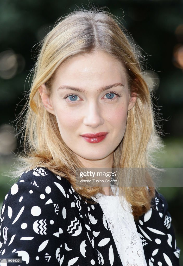 <a gi-track='captionPersonalityLinkClicked' href=/galleries/search?phrase=Eva+Riccobono&family=editorial&specificpeople=885062 ng-click='$event.stopPropagation()'>Eva Riccobono</a> attends 'Eva Spettacolo Della Scienza' Italian TV Show photocall at Hotel Westin Palace on March 27, 2012 in Milan, Italy.