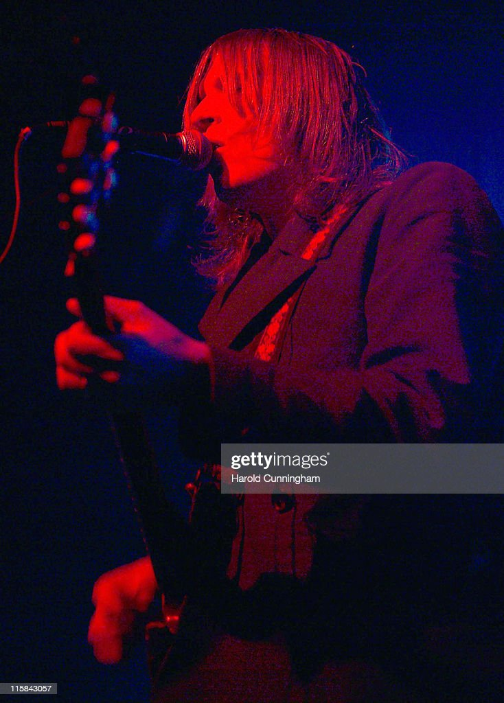 <a gi-track='captionPersonalityLinkClicked' href=/galleries/search?phrase=Evan+Dando&family=editorial&specificpeople=751359 ng-click='$event.stopPropagation()'>Evan Dando</a> of the Lemonheads during Lemonheads in Concert at the Forum in London - October 6, 2006 at Forum in London, Great Britain.