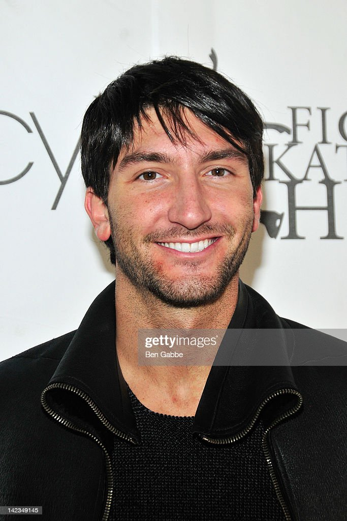 <a gi-track='captionPersonalityLinkClicked' href=/galleries/search?phrase=Evan+Lysacek&family=editorial&specificpeople=243028 ng-click='$event.stopPropagation()'>Evan Lysacek</a> attends the 2012 Skating with the Stars gala at theWollman Rink - Central Park on April 2, 2012 in New York City.