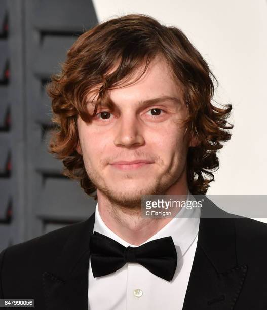 Evan Peters attends the 2017 Vanity Fair Oscar Party hosted by Graydon Carter at Wallis Annenberg Center for the Performing Arts on February 26 2017...