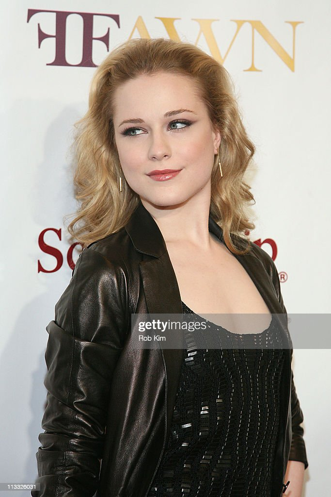 <a gi-track='captionPersonalityLinkClicked' href=/galleries/search?phrase=Evan+Rachel+Wood&family=editorial&specificpeople=203074 ng-click='$event.stopPropagation()'>Evan Rachel Wood</a> attends the 2nd Annual Mary J. Blige Honors Concert at Hammerstein Ballroom on May 1, 2011 in New York City.