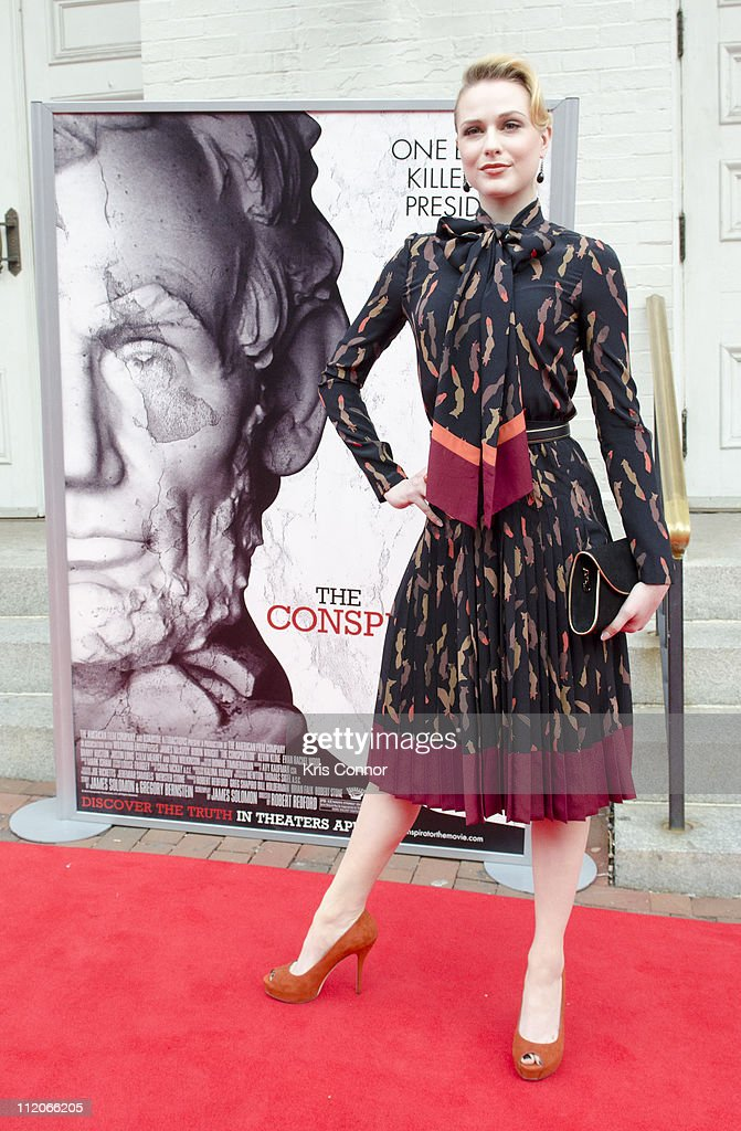<a gi-track='captionPersonalityLinkClicked' href=/galleries/search?phrase=Evan+Rachel+Wood&family=editorial&specificpeople=203074 ng-click='$event.stopPropagation()'>Evan Rachel Wood</a> poses for photographers on the red carpet during the premiere of 'The Conspirator' presented by The American Film Company, Ford's Theatre and Roadside Attractions at Ford's Theatre on April 10, 2011 in Washington, DC.