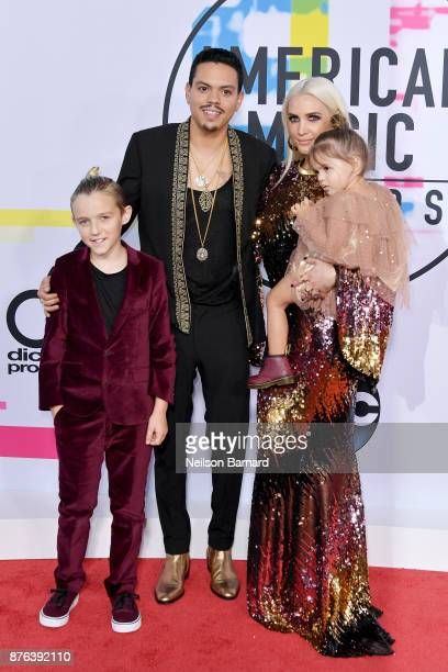 Evan Ross and Ashlee Simpson attend the 2017 American Music Awards at Microsoft Theater on November 19 2017 in Los Angeles California