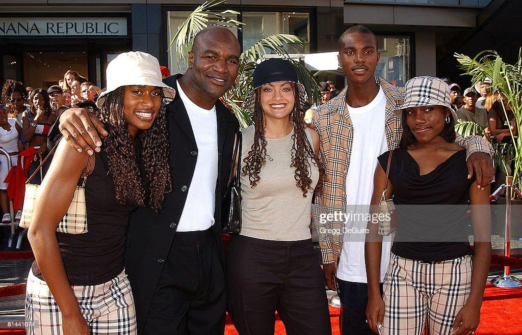 Evander Holyfield with Ashley, guest Candi Smith, Evander Jr. & Ebony Holyfield