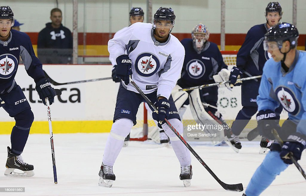 <a gi-track='captionPersonalityLinkClicked' href=/galleries/search?phrase=Evander+Kane&family=editorial&specificpeople=4303789 ng-click='$event.stopPropagation()'>Evander Kane</a> #9 of the Winnipeg Jets practices at Yardmen arena during Kraft Hockeyville Day 2 on September 14, 2013 in Belleville, Ontario, Canada.