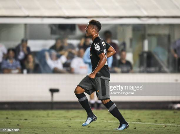 Evander of Vasco celebrates his goal during the match between Santos and Vasco da Gama as a part of Campeonato Brasileiro 2017 at Vila Belmiro...