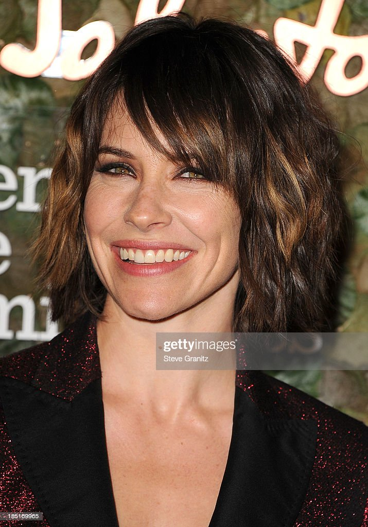 <a gi-track='captionPersonalityLinkClicked' href=/galleries/search?phrase=Evangeline+Lilly&family=editorial&specificpeople=228168 ng-click='$event.stopPropagation()'>Evangeline Lilly</a> arrives at the Wallis Annenberg Center For The Performing Arts Inaugural Gala at Wallis Annenberg Center for the Performing Arts on October 17, 2013 in Beverly Hills, California.