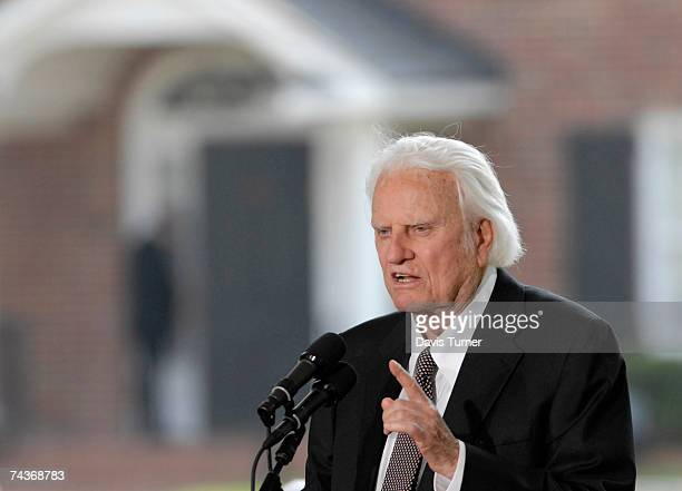 Evangelist Billy Graham addresses the audience from the stage during the Billy Graham Library Dedication Service on May 31 2007 in Charlotte North...