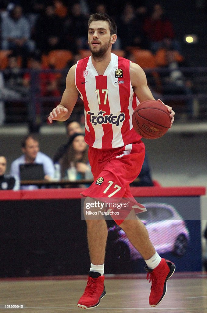 Evangelos Mantzaris, #17 of Olympiacos Piraeus in action during the 2012-2013 Turkish Airlines Euroleague Top 16 Date 2 between Olympiacos Piraeus v Besiktas JK Istanbul at Peace and Friendship Stadium on January 4, 2013 in Athens, Greece.