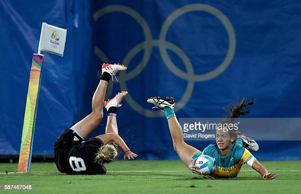 Evania Pelite of Australia scores a try during the Women's Gold Medal Rugby Sevens match between Australia and New Zealand on Day 3 of the Rio 2016...