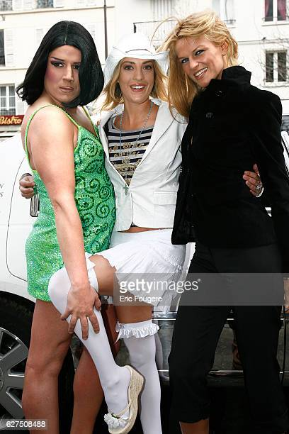 Eve Angeli Lisa Crawford and a presenter attend the 2006 Erotic Show