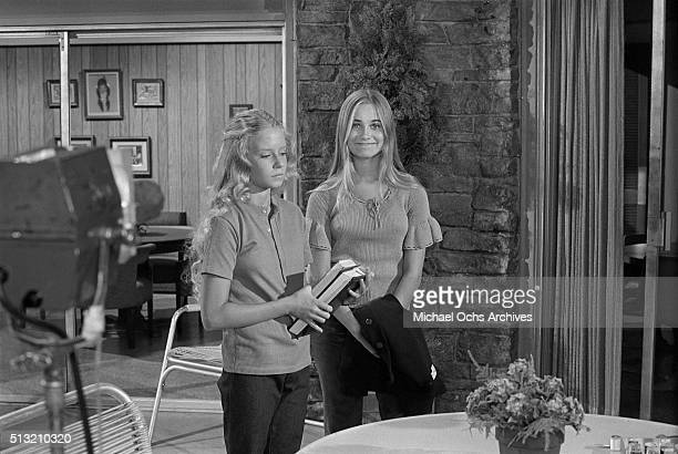 Eve Plumb and Maureen McCormick rehearse on the set of 'The Brady Bunch' at Paramount Studios on July 26 1972 in Los Angeles California