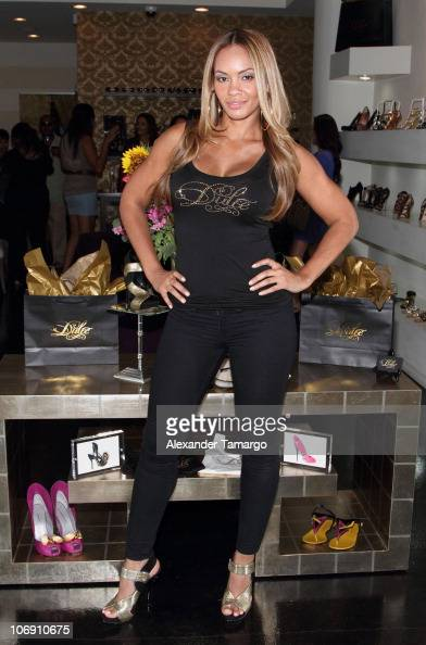 Evelyn Lozada attends Dulce Shoes VH1's Evelyn Lozada Celebrate The Hotness Of Georgina Goodman at Dulce Shoe Boutique on June 10 2010 in Coral...