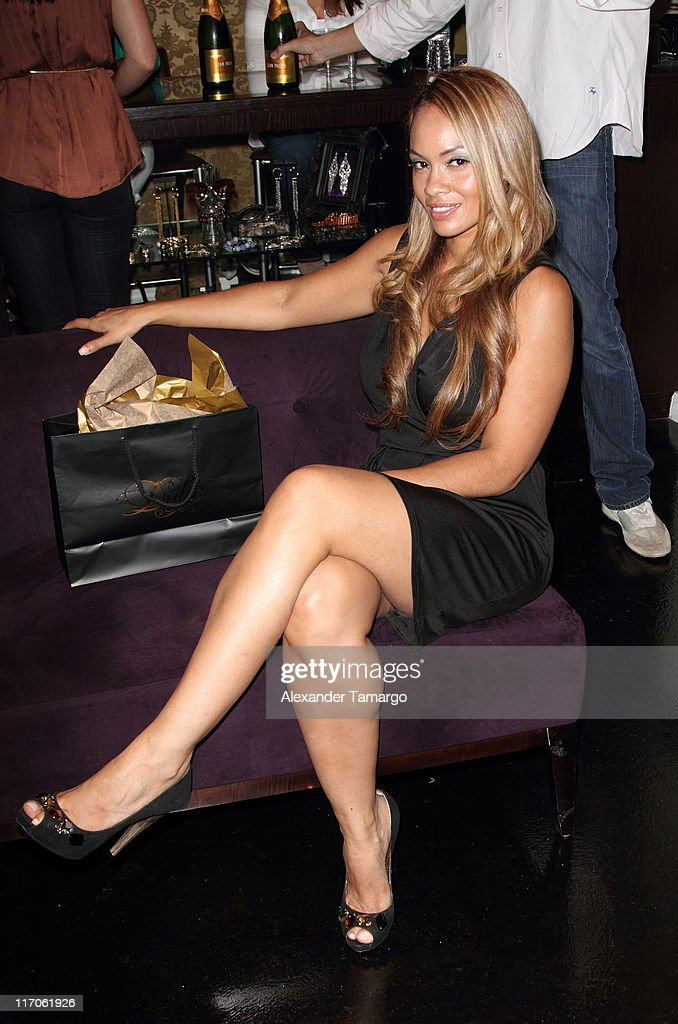 Dulce Shoes 1st Anniversary Hosted By VH1's Evelyn Lozada
