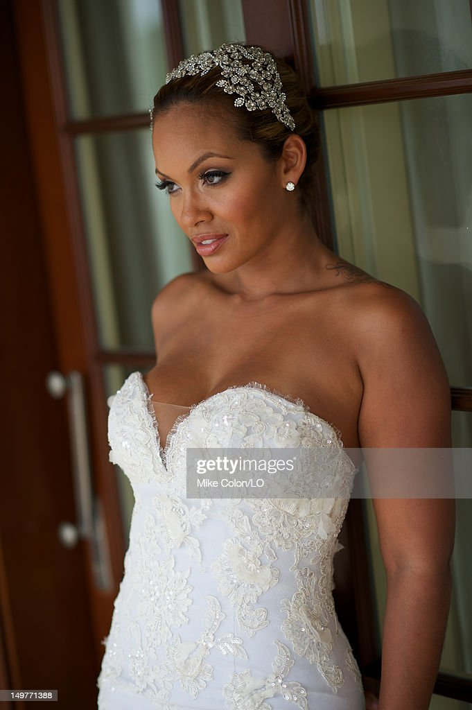 evelyn lozada poses for photos at her wedding to chad ochocinco at le chateau des palmiers