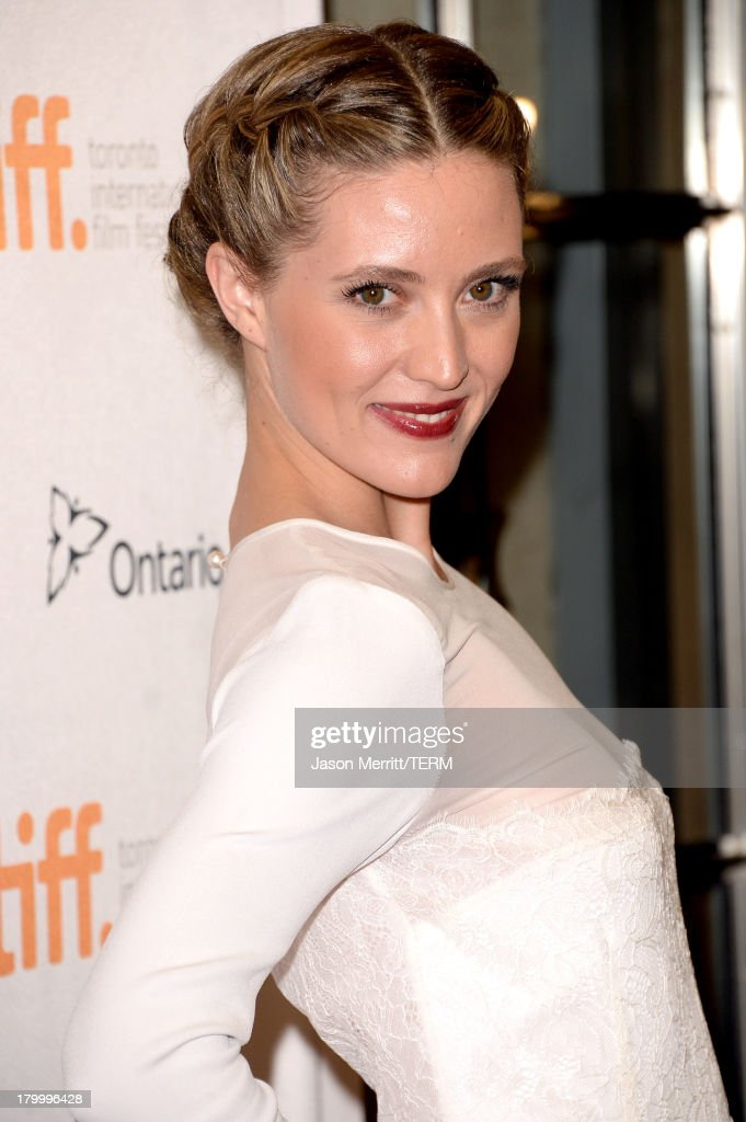 Evelyne Brochu arrives at the 'Dallas Buyers Club' premiere during the 2013 Toronto International Film Festival at Princess of Wales Theatre on September 7, 2013 in Toronto, Canada.