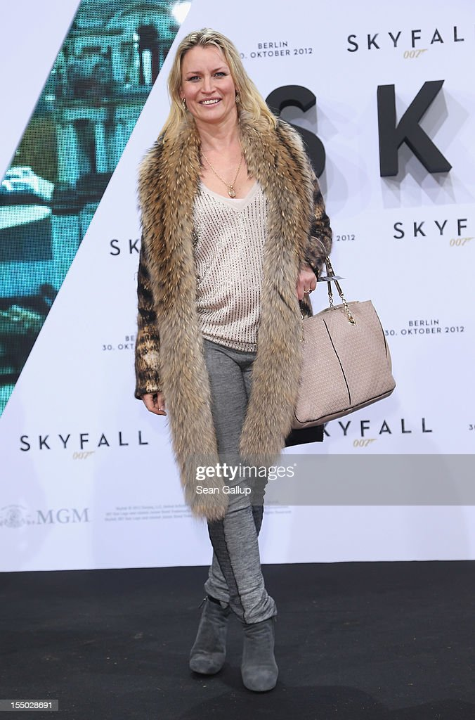 Eve-Maren Buechner attends the Germany premiere of 'Skyfall' at the Theater am Potsdamer Platz on October 30, 2012 in Berlin, Germany.