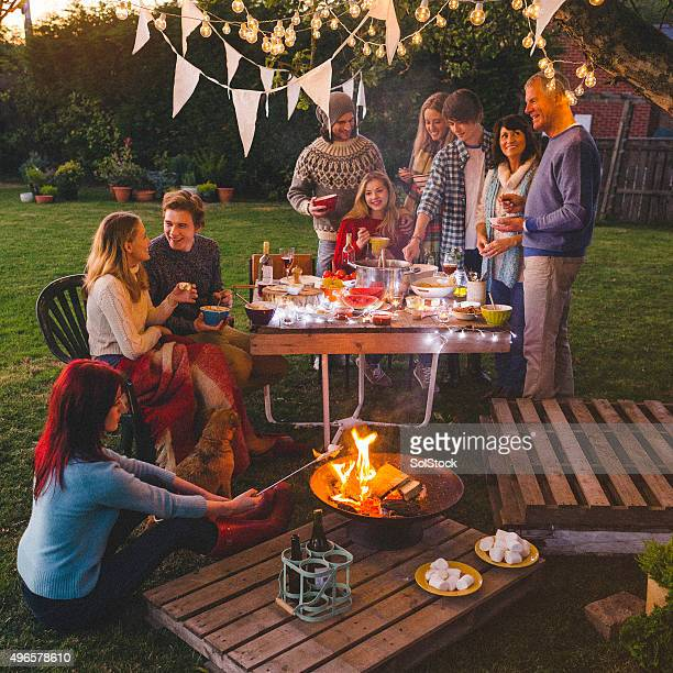 Abend-Gartenparty