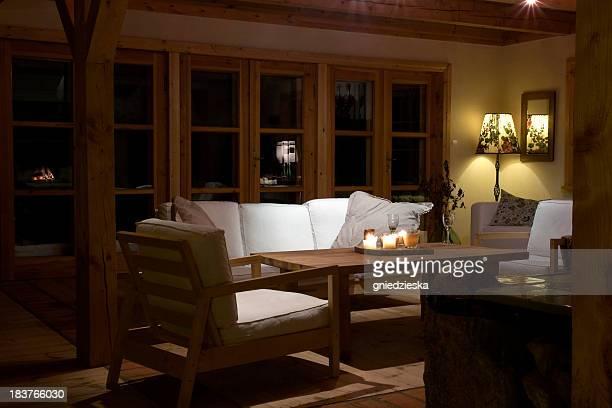 Sera in accogliente salotto