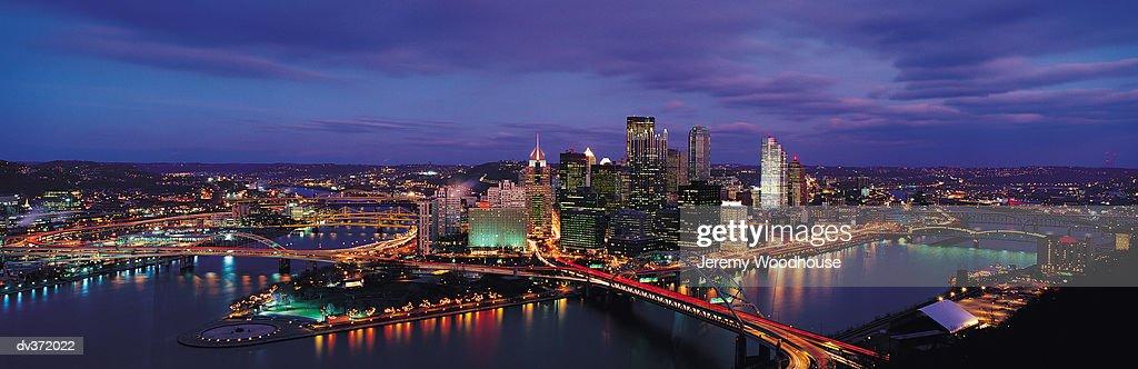 Evening Pittsburgh skyline : Stock Photo