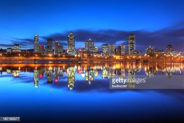 Abend-Himmel auf Montreal City