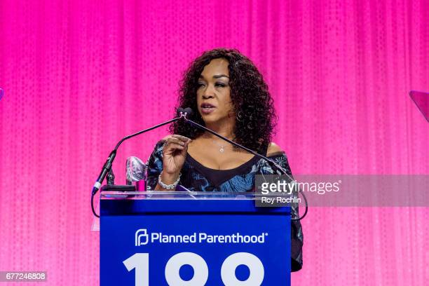 Event honoree Shonda Rhimes speaks during the Planned Parenthood 100th Anniversary Gala at Pier 36 on May 2 2017 in New York City