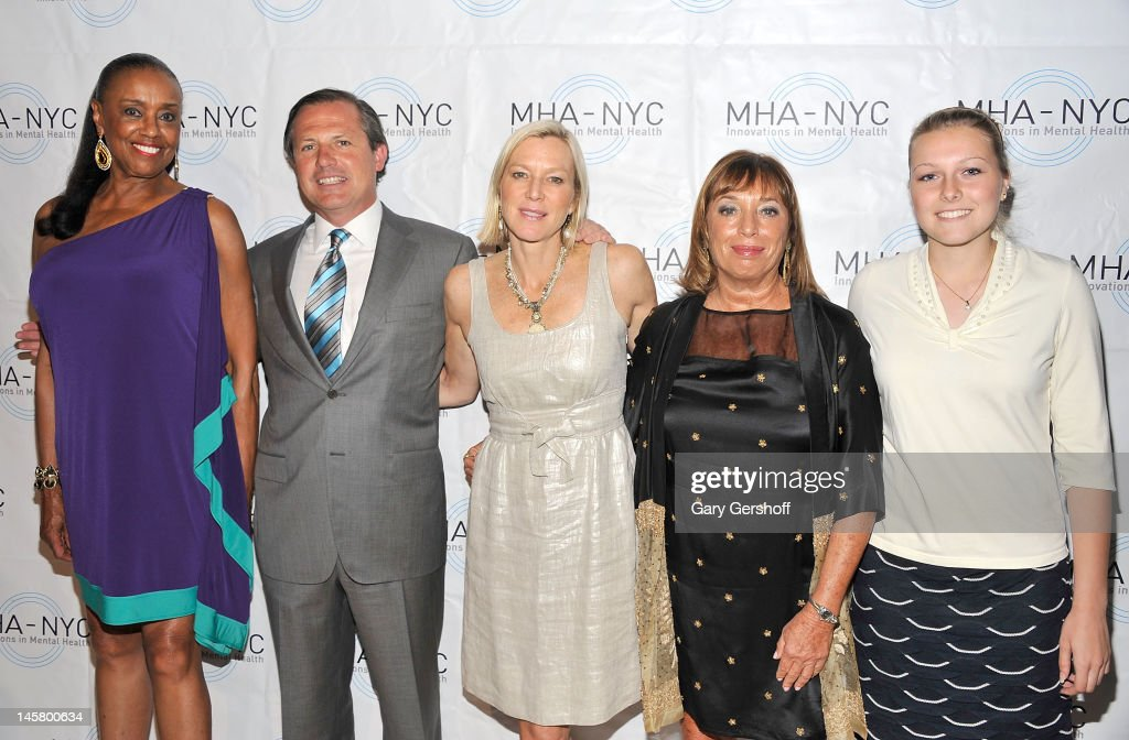 Event honoree Sylvia Mackey, Chairman, MHA-NYC, Kevin Danehy, event host Lee Woodruff, President and CEO of MHA-NYC, Giselle Stolper and event honoree Sarah Rainey attend the 2012 Mental Health Association Of New York City Celebration Of Hope Gala at Cipriani 42nd Street on June 5, 2012 in New York City.