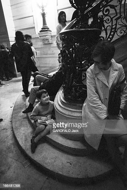 The University Of The Sorbonne Is Occupied France Paris 30 mai 1968 un mouvement de révolte survient en France en mai et juin 1968 dirigée contre la...
