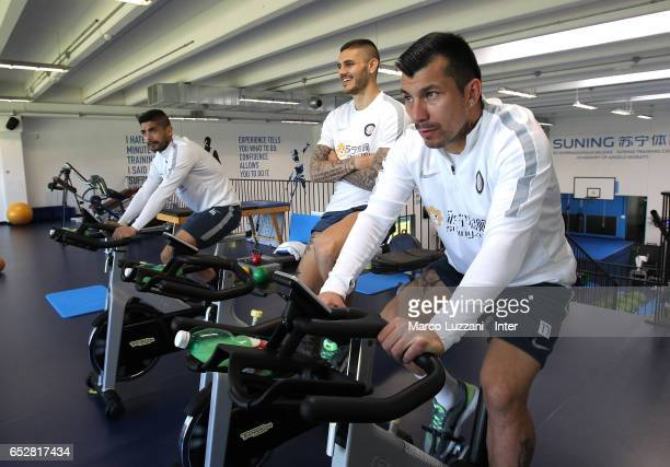 Ever Banega Mauro Emanuel Icardi and Jeison Murillo of FC Internazionale train in the gym during the FC Internazionale training session at the club's...