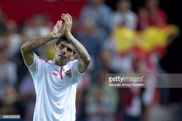 Ever Banega of Sevilla FC claps to the audience as he leaves the pitch during the UEFA Champions League Group D match between Sevilla FC and VfL...