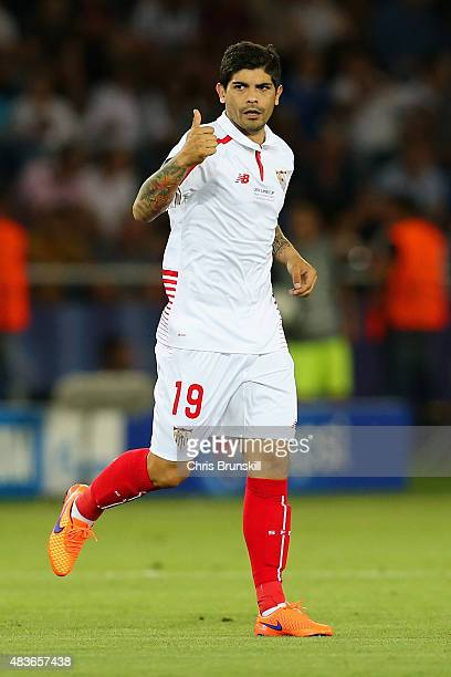 Ever Banega of Sevilla gives the thumbs up after scoring the oprning goal during the UEFA Super Cup between Barcelona and Sevilla FC at Dinamo Arena...