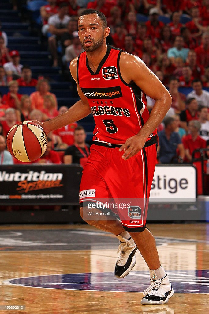 Everard Bartlett of the Wildcats looks to pass during the round 14 NBL match between the Perth Wildcats and the Melbourne Tigers at Perth Arena on January 13, 2013 in Perth, Australia.
