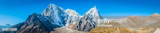 Everest Base Camp trail Himalaya mountain peaks panorama Khumbu Nepal
