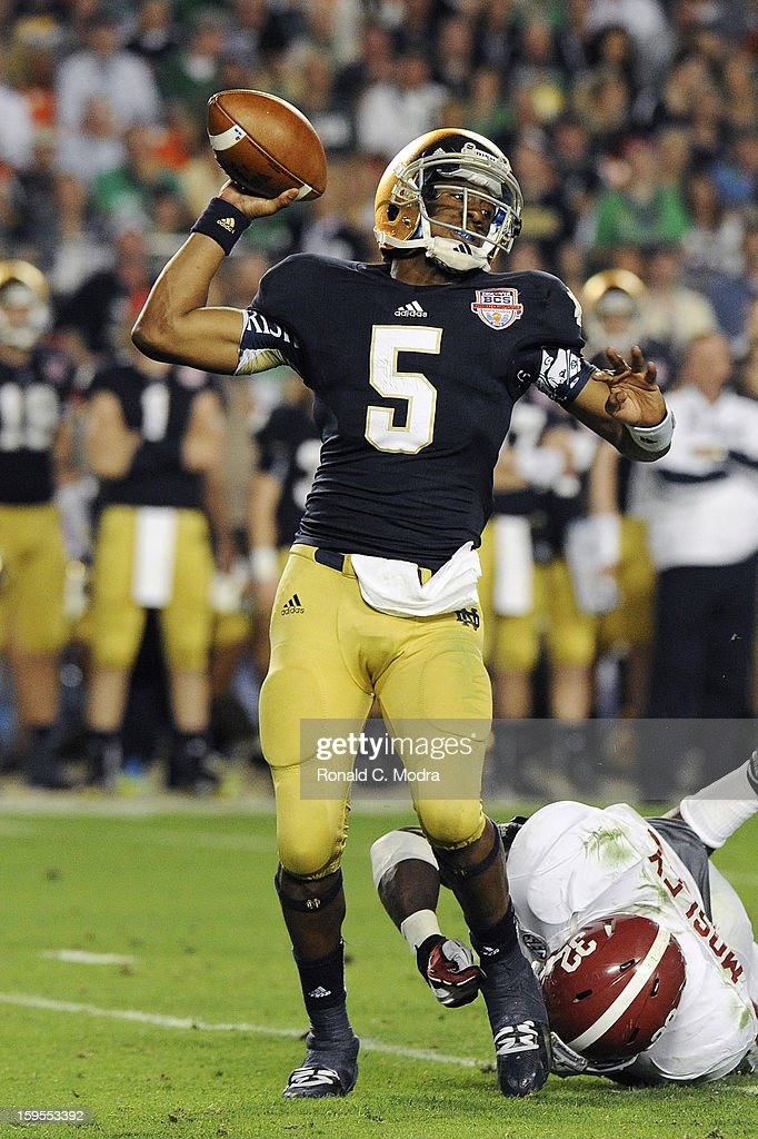Everett Golson #5 of the Notre Dame Fighting Irish passes against the Alabama Crimson Tide during the 2013 Discover BCS National Championship Game at Sun Life Stadium on January 7, 2013 in Miami Gardens, Florida.