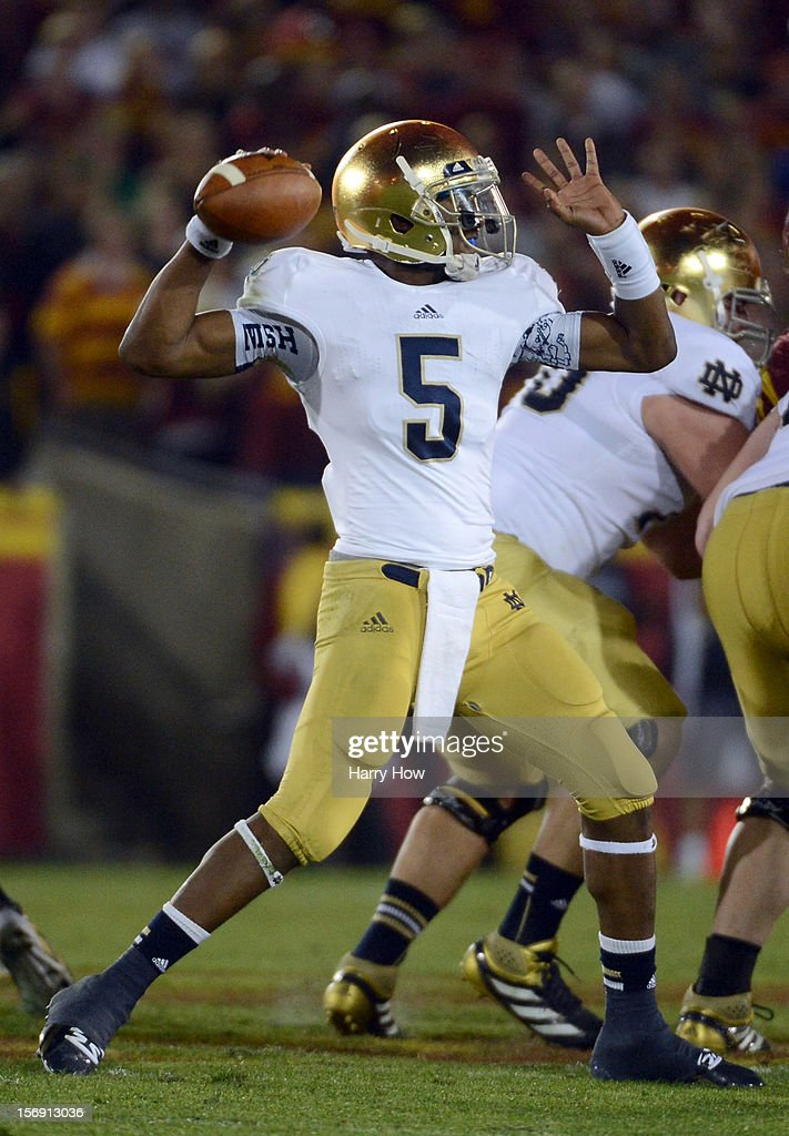 Everett Golson #5 of the Notre Dame Fighting Irish passes in the pocket against the USC Trojans at Los Angeles Memorial Coliseum on November 24, 2012 in Los Angeles, California.