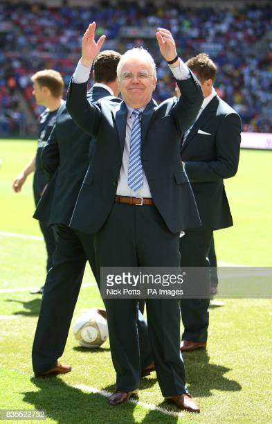 Everton chairman Bill Kenwright applauds the fans prior to kick off