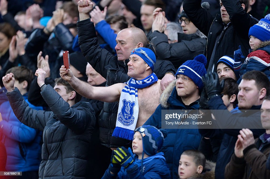 Everton fans cheer during the Barclays Premier League match between Stoke City v Everton at the Britannia Stadium on February 6, 2016 in Stoke on Trent, England.