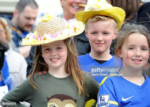Everton fans in their Easter Bonnets