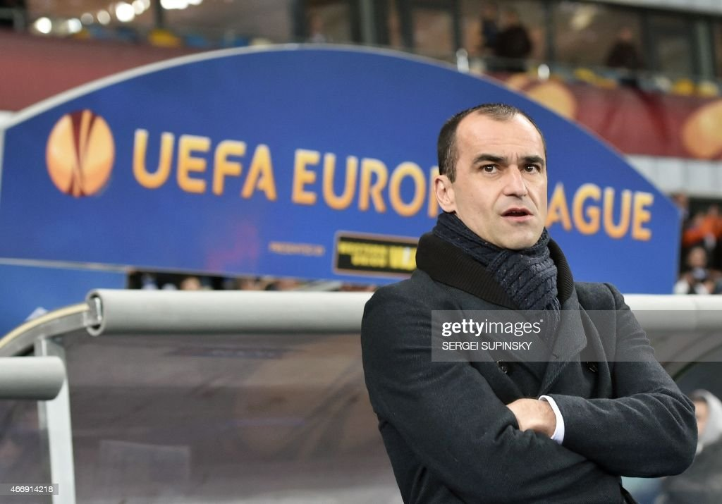 Everton FC coach Roberto Martinez looks on during the UEFA Europa League round of 16 football match between Dynamo Kiev and Everton in Kiev on March 19, 2015.