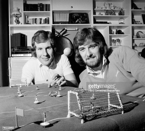 Sport Football England February 1975 Joe Royle and Roger Kenyon of Everton FC are pictured playing a game of Subbuteo
