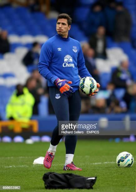 Everton goalkeeper Joel Robles