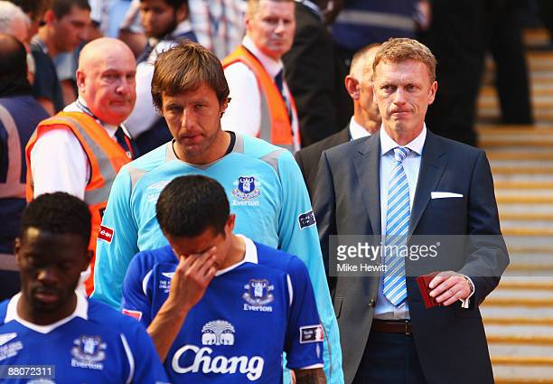 Everton manager David Moyes looks dejected following the FA Cup sponsored by EON Final match between Chelsea and Everton at Wembley Stadium on May 30...