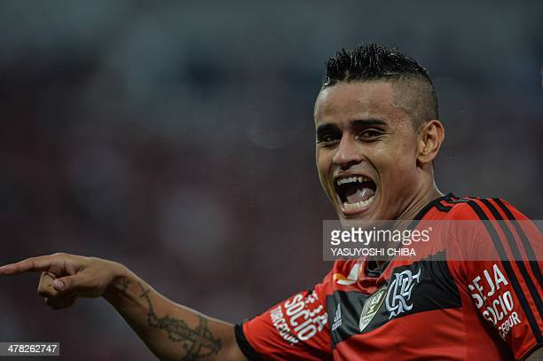 Everton of Braizl's Flamengo reacts after scoring a goal against Bolivia's Bolivar during their 2014 Copa Libertadores football match at Mario Filho...