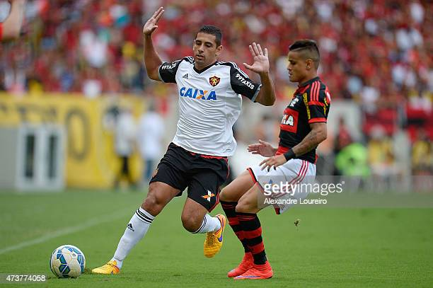 Everton of Flamengo battles for the ball with Diego Souza of Sport Recife during the match between Flamengo and Sport Recife as part of Brasileirao...