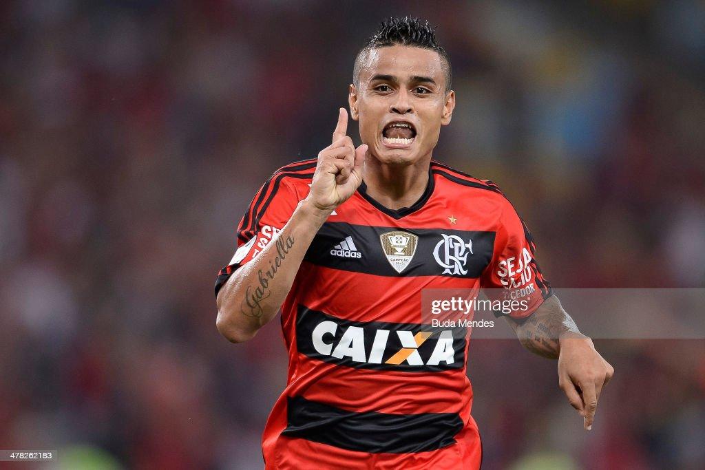 Everton of Flamengo celebrates a scored goal against Bolivar during a match between Flamengo and Bolivar as part of Copa Bridgestone Libertadores...