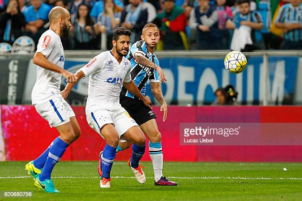 Everton of Gremio battles for the ball against Leo of Cruzeiro during the match Gremio v Cruzeiro as part of Copa do Brasil SemiFinals 2016 at Arena...