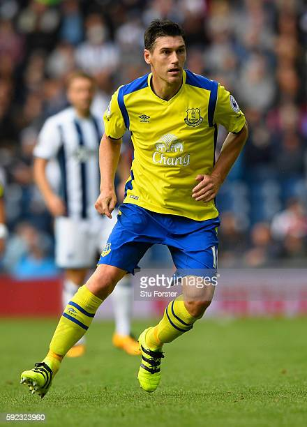 Everton player Gareth Barry in action during the Premier League match between West Bromwich Albion and Everton at The Hawthorns on August 20 2016 in...