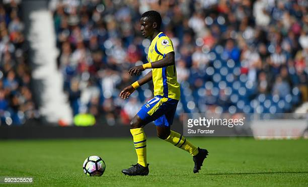 Everton player Idrissa Gana Gueye in action during the Premier League match between West Bromwich Albion and Everton at The Hawthorns on August 20...