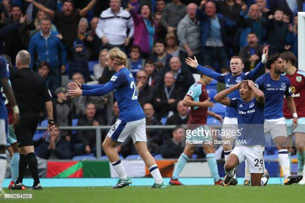 Everton players appeal against an alleged hand ball in the area during the Premier League match between Everton and Burnley at Goodison Park on...